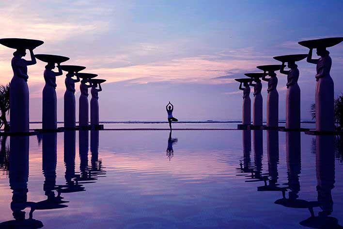Mulia Yoga Sunrise at poolS