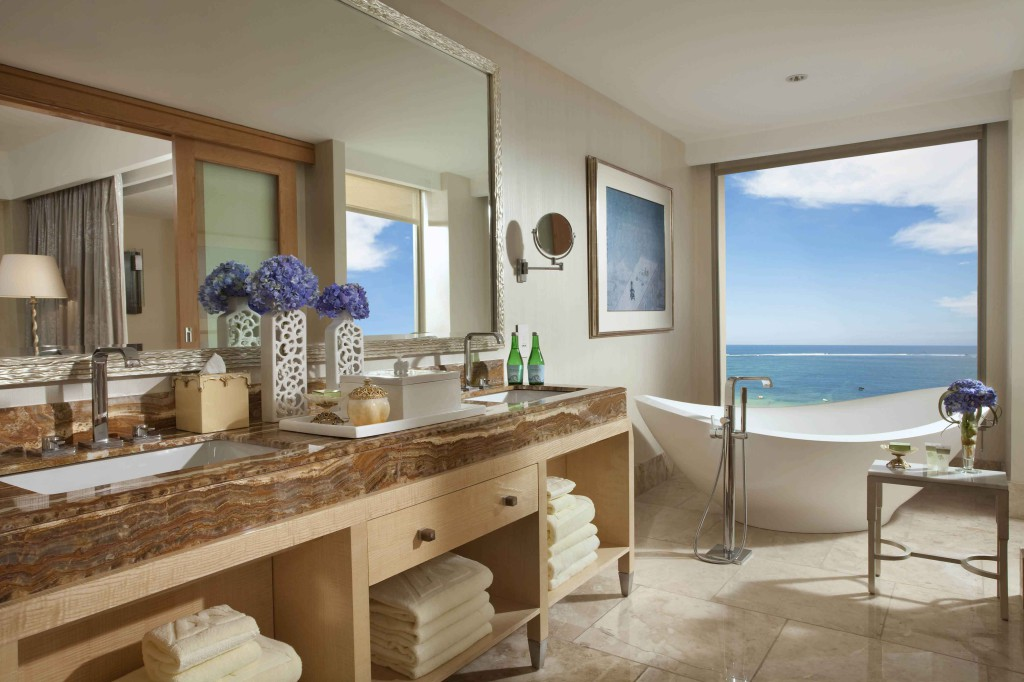 Royal Suite - BathroomS