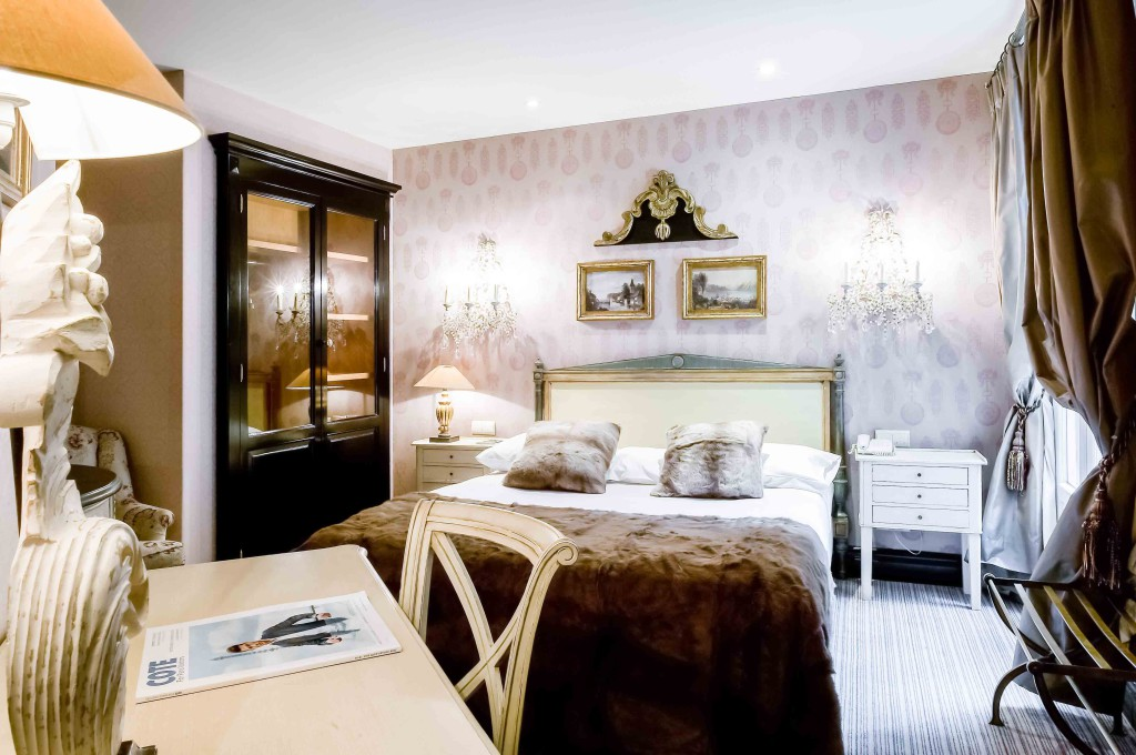 Hotel Chateaubriand Chambre @ChateauxetHotelsCollection (2)