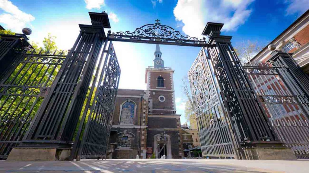 STJames-Church-Mayfair-Front-Gates
