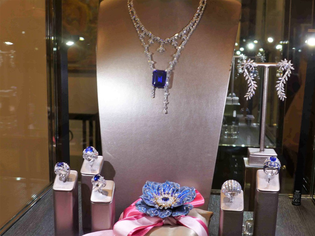 Brussels luxury shoping Manalys jewels