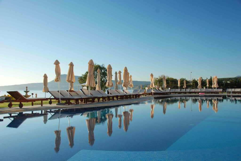 Kiani beach resort pool, Chania