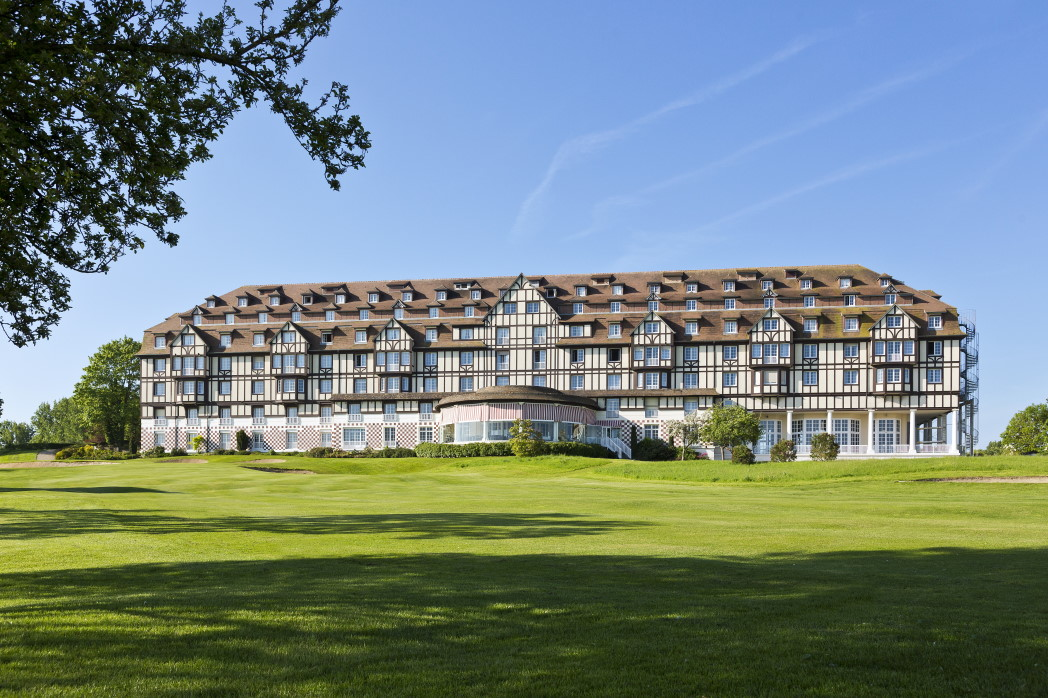 My travel experience at the barri re group hotel du golf for Hotels deauville