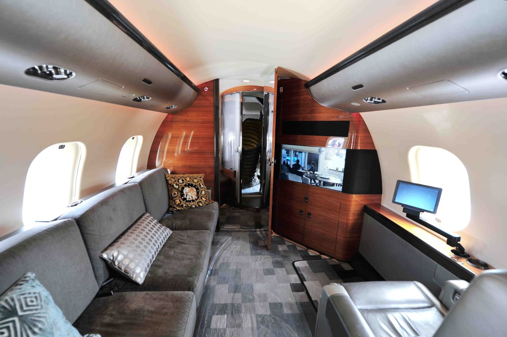 Charter-scanner-private-jet-interior