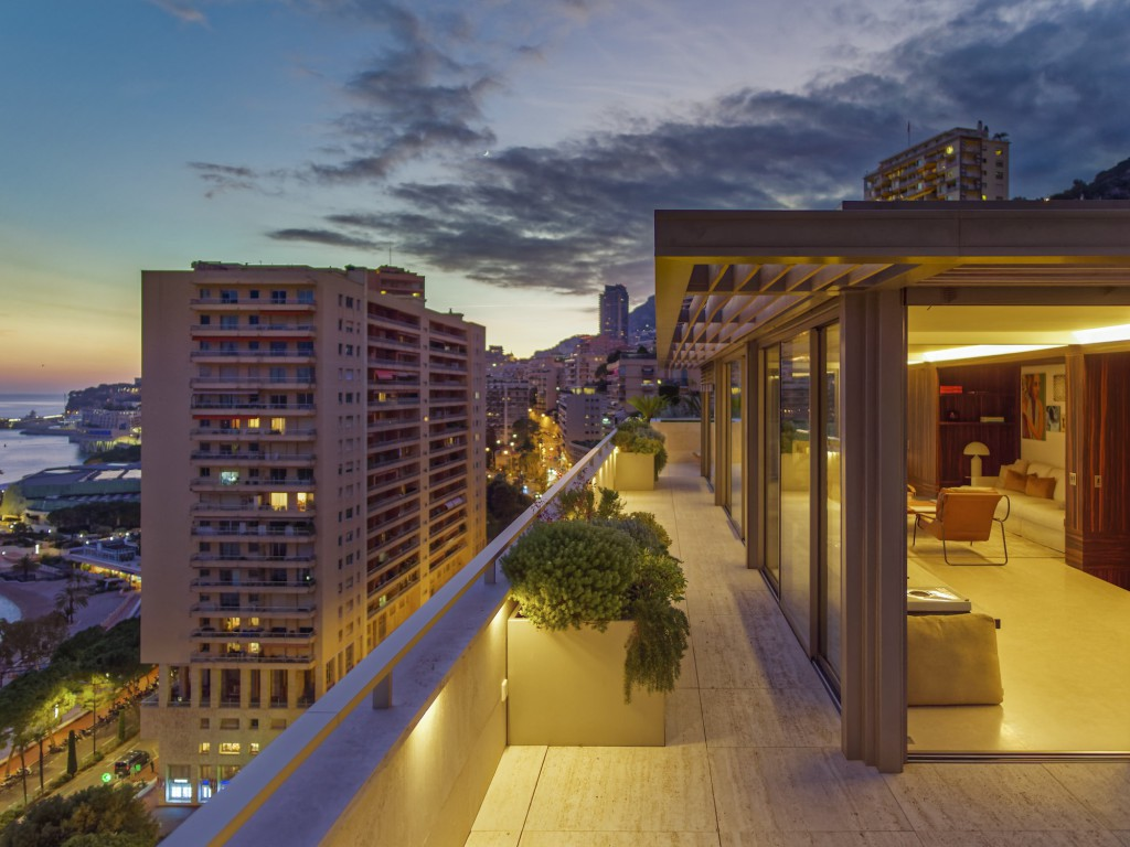 Monaco-Larvotto-Penthouse-Night-view-108