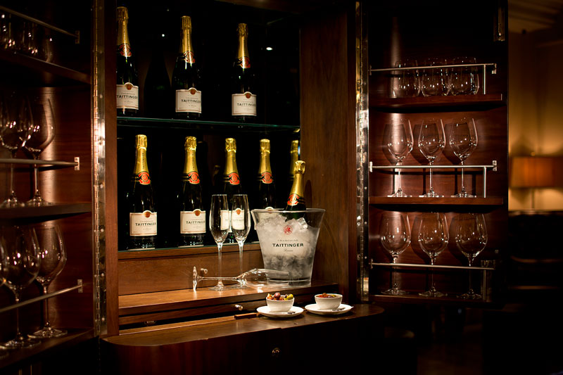 Champagne,-The-Arch-London
