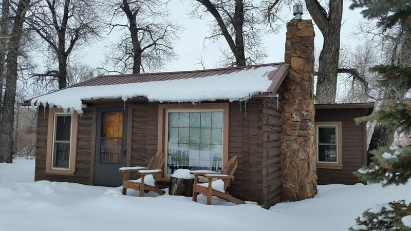 Vee-Bar-Winter-Snow-Cabin
